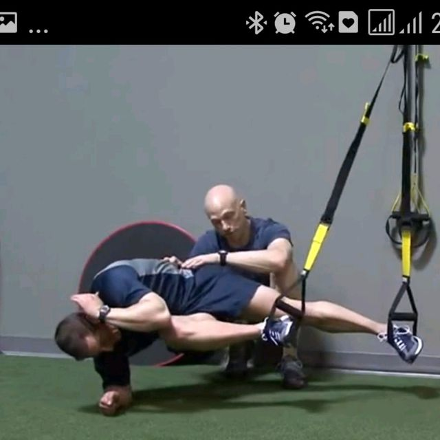How to do: TRX SIDE PLANK WITH KNEE - Step 2