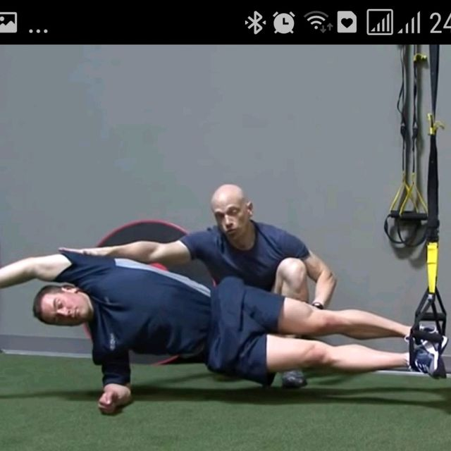 How to do: TRX SIDE PLANK WITH KNEE - Step 1