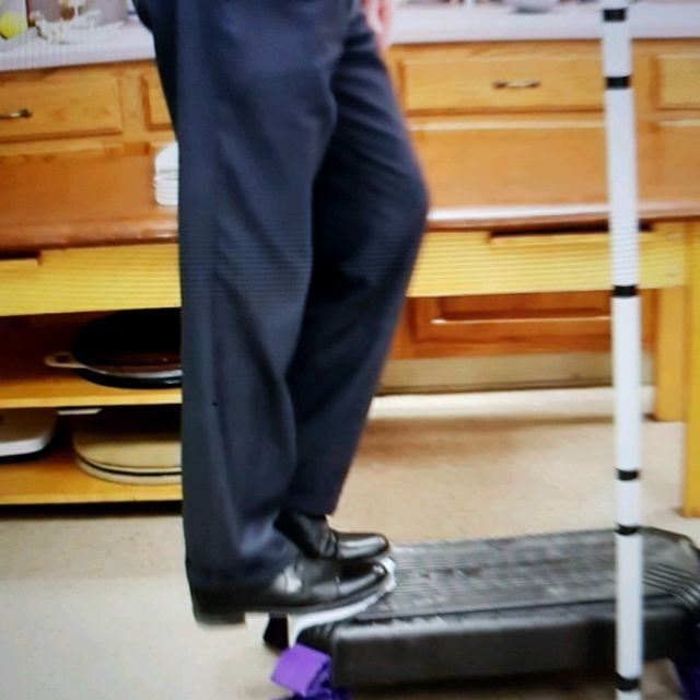 How to do: Static Moonwalk Eccentric Strengthening - Step 2