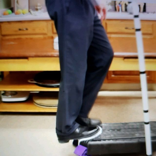 How to do: Static Moonwalk Eccentric Strengthening - Step 6