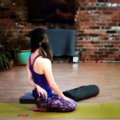 Half Bound Spinal Twist (Both Sides)