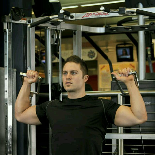 How to do: CM Double Arm Overhead Shoulder Press - Step 3
