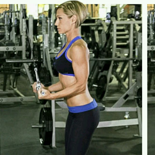 How to do: CM Reverse Grip Tricep Pushdown - Step 1