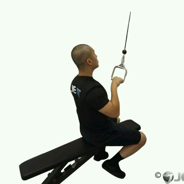 How to do: CM One Arm Seated Lat Pulldown - Step 2