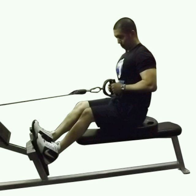 How to do: CM Two Arm Seated Row - Step 2