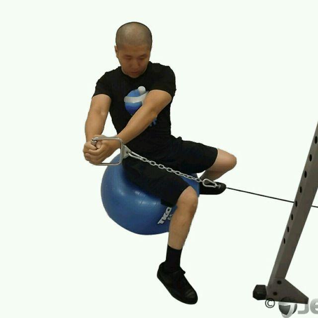 How to do: CM Sitting Torso Twists - Step 2
