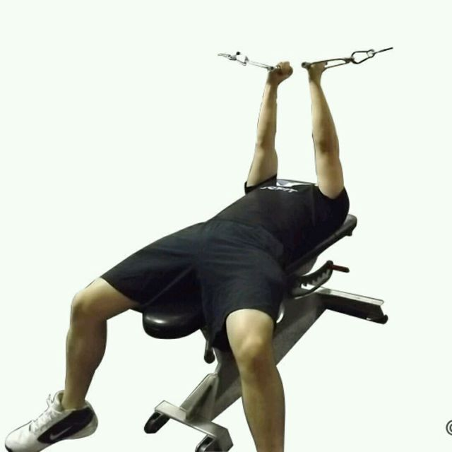 How to do: CM Flat Bench Crossover Fly - Step 2