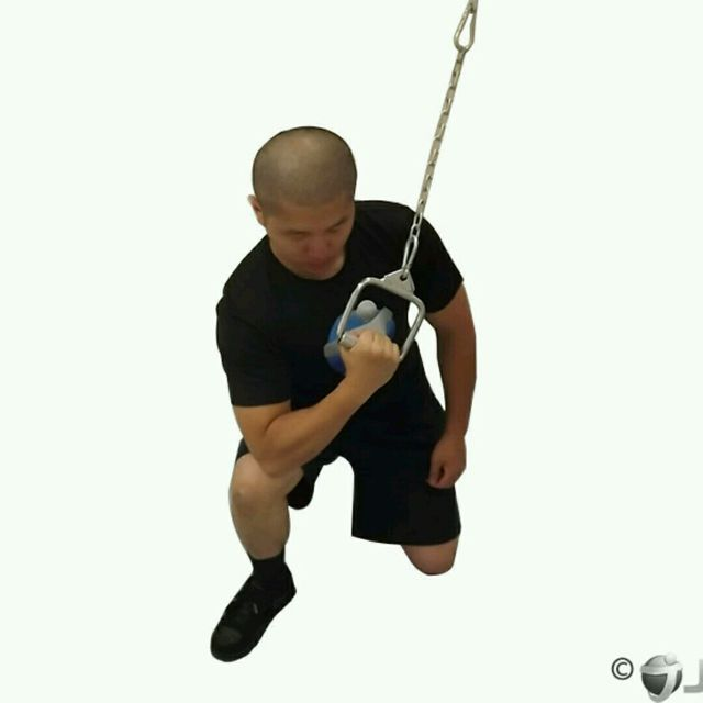 How to do: CM Kneeling Concentration Triceps Extension - Step 1