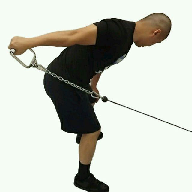 How to do: CM One Arm Bent Over Tricep Kickbacks - Step 2