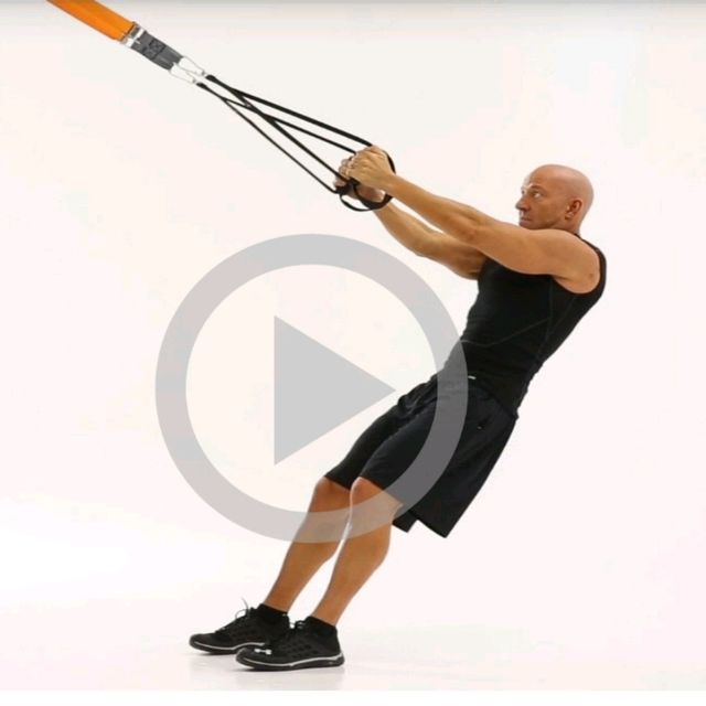 How to do: TRX Torso ROTATION RIGHT - Step 1