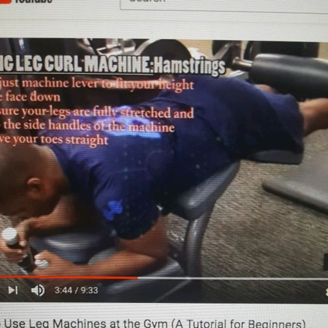 How to do: Machine: Lying Leg Curl - Step 3