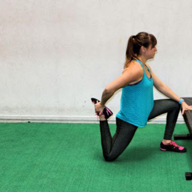 How to do: Kneeling Quad Hip Flexor Stretch - Step 1