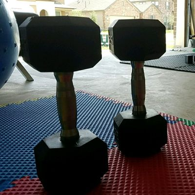 2 Dumbell Push Up