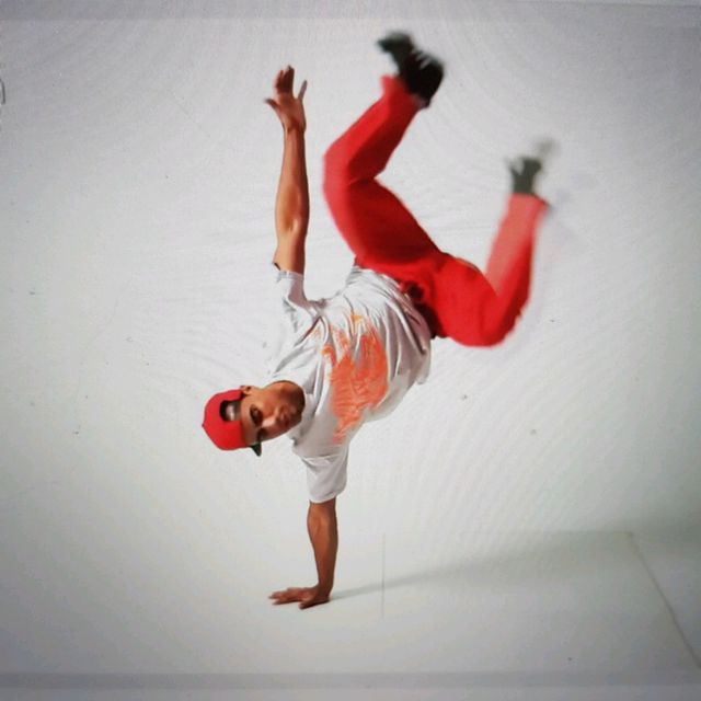 How to do: Sgl Arm Handstand - Step 11