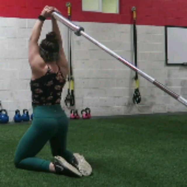 How to do: TRICEPS EXTENSIONS TO HIP THRUSTS - Step 2