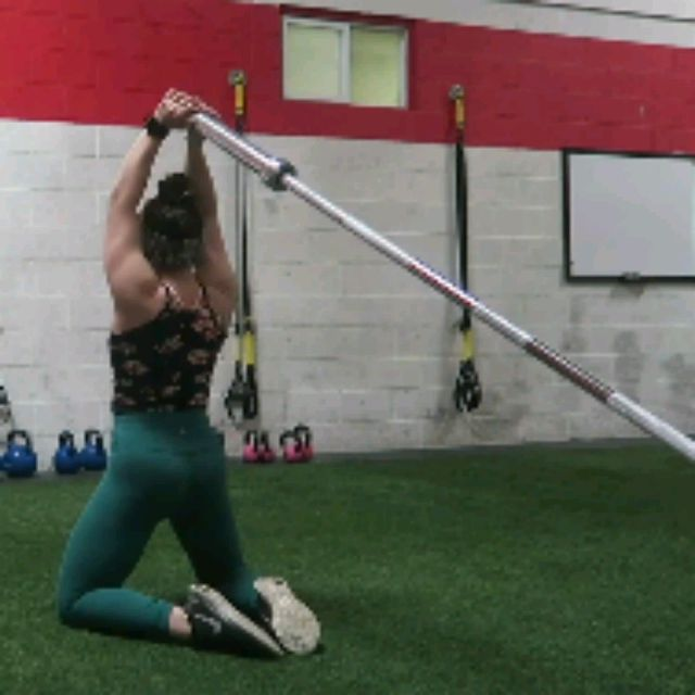 How to do: TRICEPS EXTENSIONS TO HIP THRUSTS - Step 3