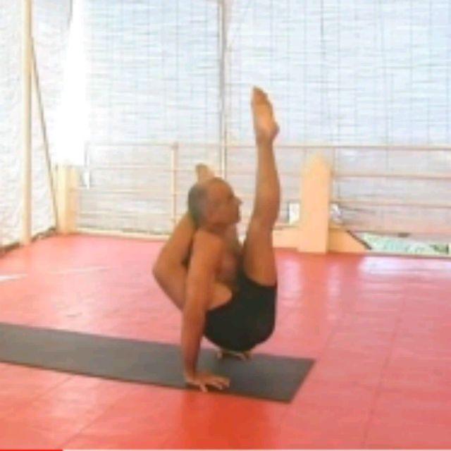 How to do: Kala Bhairavasana Sequence - Step 17