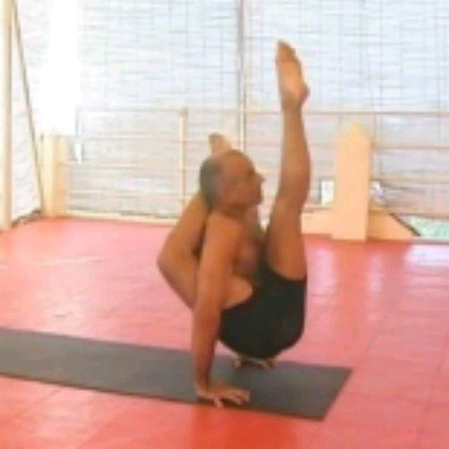 How to do: Kala Bhairavasana Sequence - Step 18