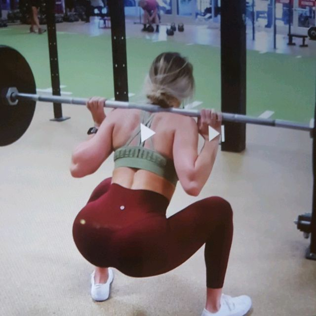 Whitney Simmons: Barbell Leg Workout
