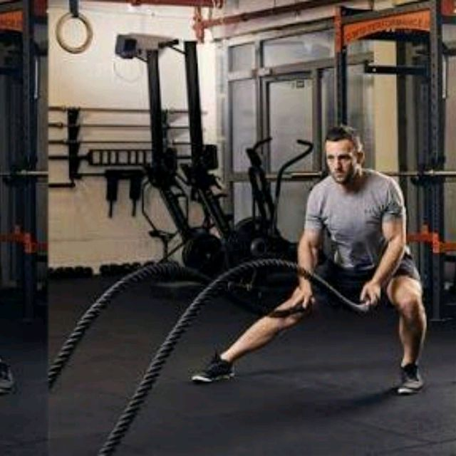 How to do: Battle Rope Double Wave With Side Lunges - Step 2