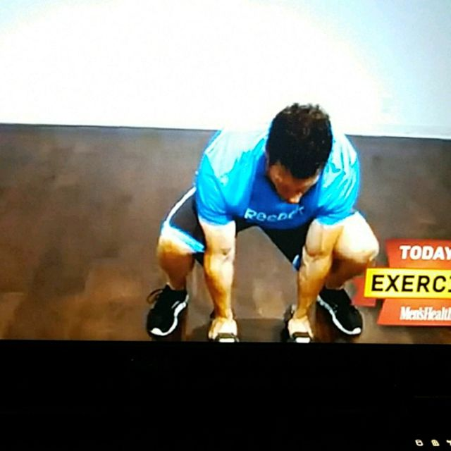 How to do: Pushup position 3lb Dumbbell row with Squat thrust - Step 6