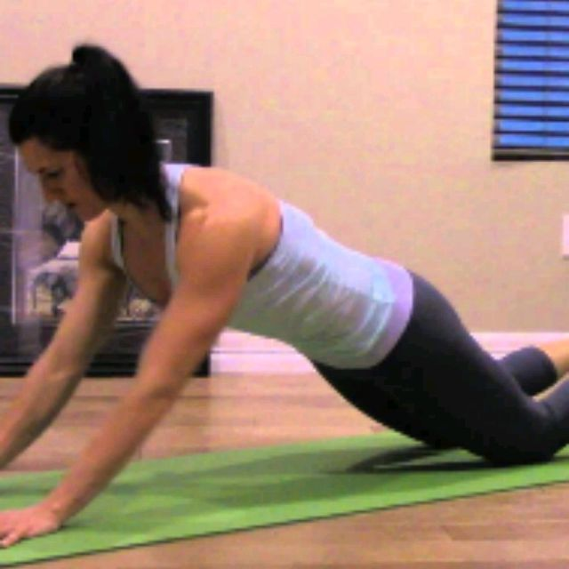 How to do: KNEELING SPHINX PUSH UPS - Step 1