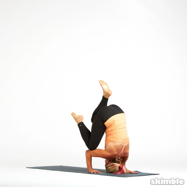 How to do: Tripod Headstand Prep - Step 4
