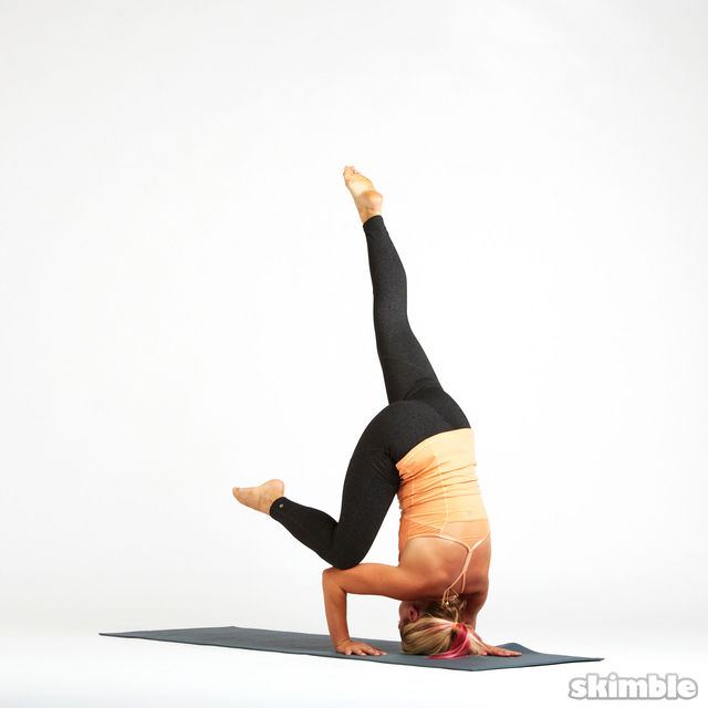 How to do: Tripod Headstand Prep - Step 5