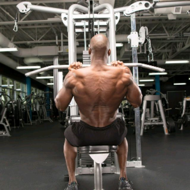How to do: Reverse Close Grip Pulldowns - Step 1