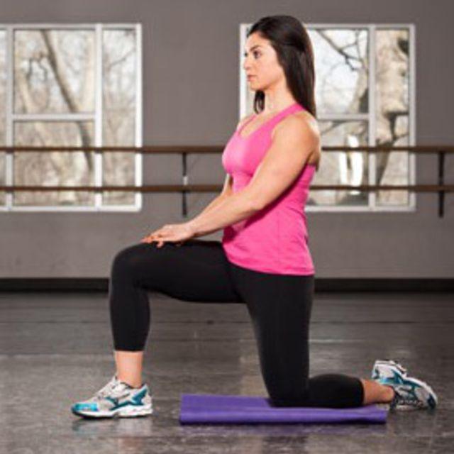 How to do: Kneeling Hip Flexor Stretch - Step 1