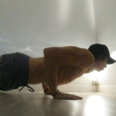 Surfer Push Ups