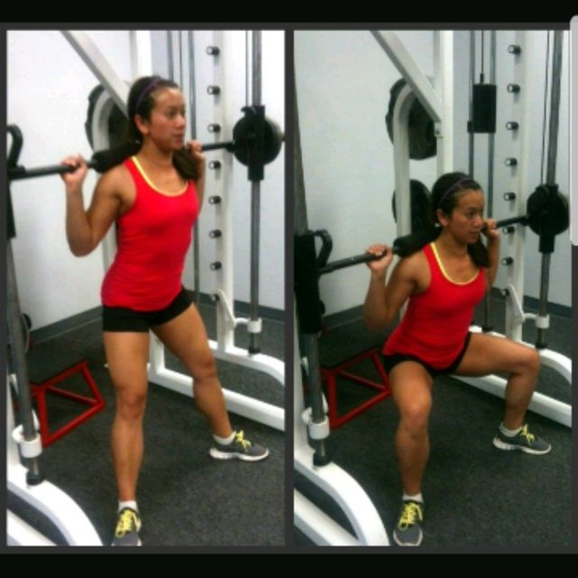 How to do: SUMO SQUATS (SMITH) - Step 1