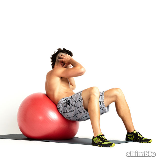 How to do: Right Oblique Ball Crunches - Step 2