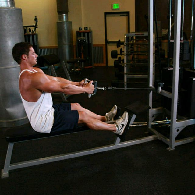 How to do: Seated Cable Rows - Step 1