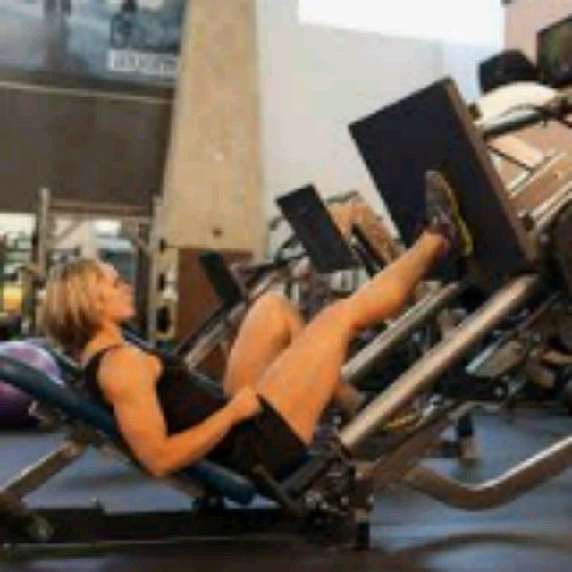 How to do: Single Leg Press - Step 1