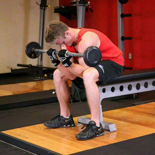 How to do: Barbell Concentration Curls - Step 2