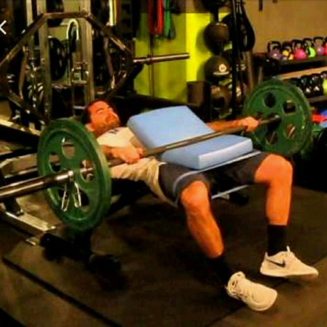 How to do: Barbell Iso Hold With 15 Hip Abductions With Mini Band - Step 1