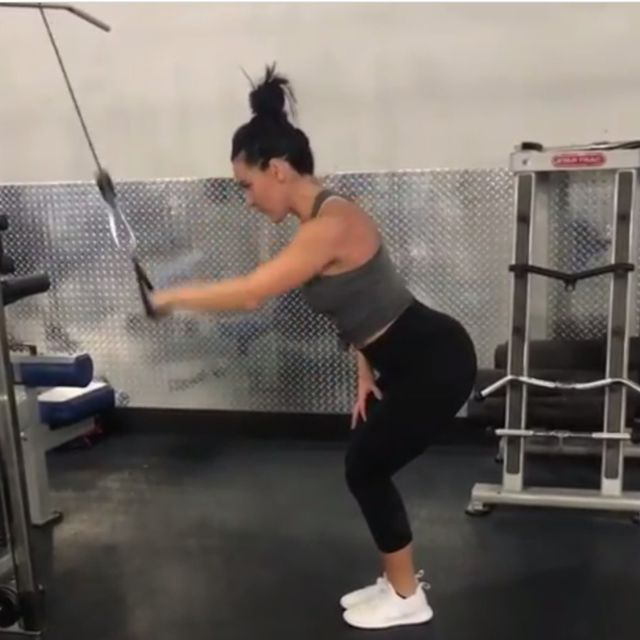 How to do: One Arm Pull Down - Bent Over - Step 2