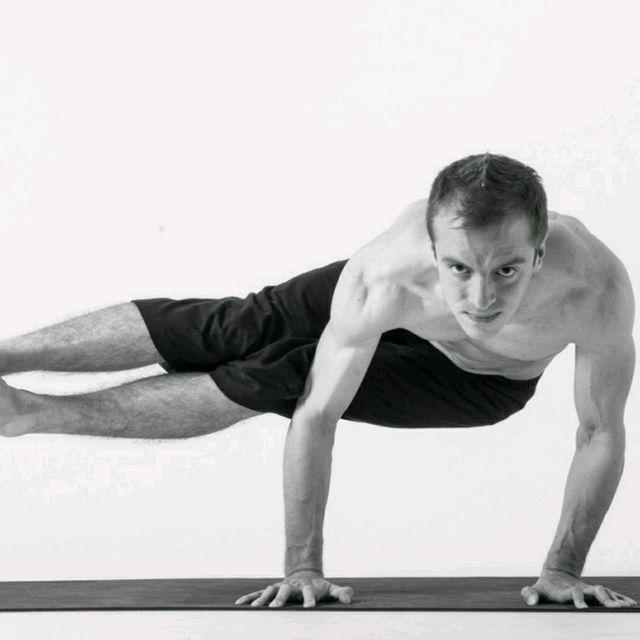How to do: Koudinyasana 2 - Step 1