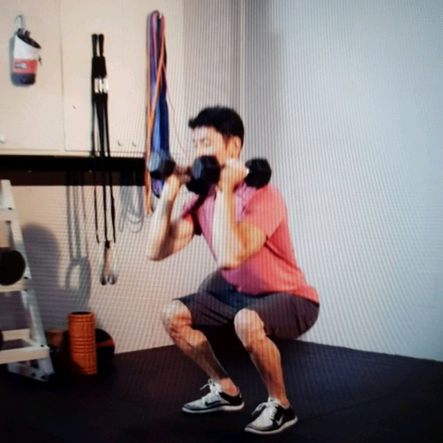 How to do: Squat Cleans - Step 2