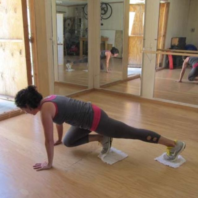 How to do: Sliding Mountain Climbers (On Elbows) - Step 2