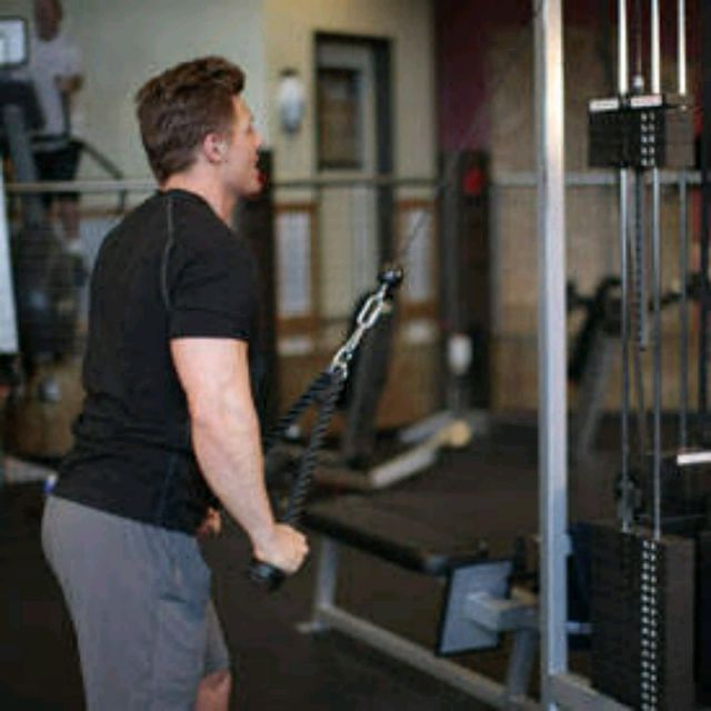How to do: Rope straight arm Pull downs - Step 2