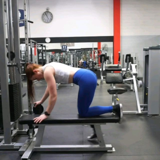 How to do: Kneeling CABLE Hip Extensions - Step 6