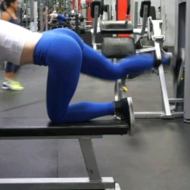 How to do: Kneeling CABLE Hip Extensions - Step 8