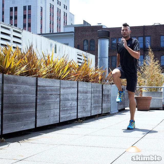 How to do: Jog Backwards - Step 4
