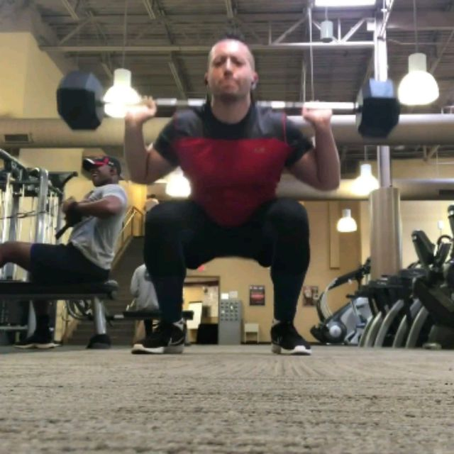 How to do: Barbell Reverse Lunge Squat Combo - Step 1