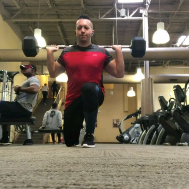 How to do: Barbell Reverse Lunge Squat Combo - Step 2