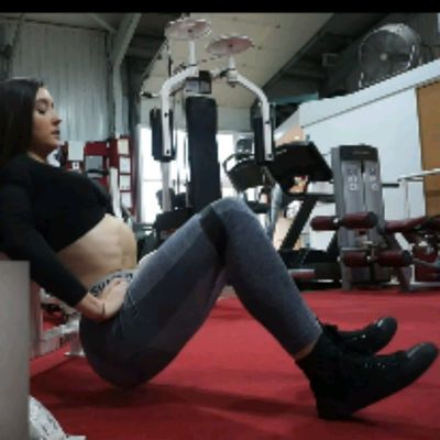 Hip Thrusters With Band (toes Out Heels In)