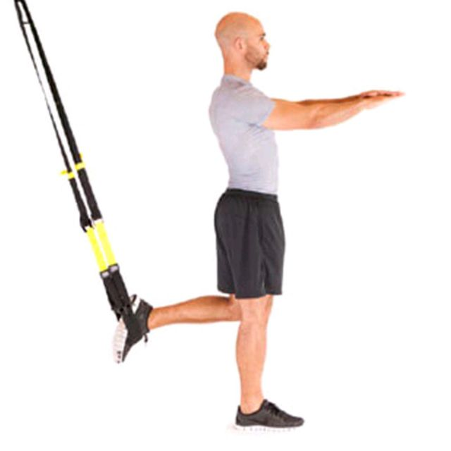 How to do: Trx Squat Sur Une Jambe - Step 1