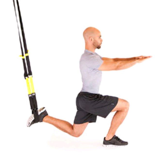 How to do: Trx Squat Sur Une Jambe - Step 2